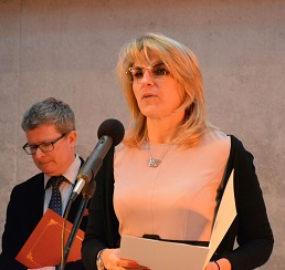 Dorota Potejko, zastępca dyrektora Wydziału Zdrowia UMP, przekazuje adres od prezydenta Poznania Jacka Jaśkowiaka.