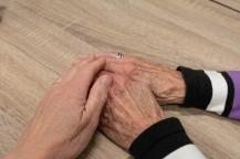 hand-3952107_1920